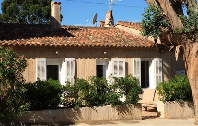 Photo for In the village, 95 m2, reversible air conditioning, 8 pers, terraces, barbecue garden
