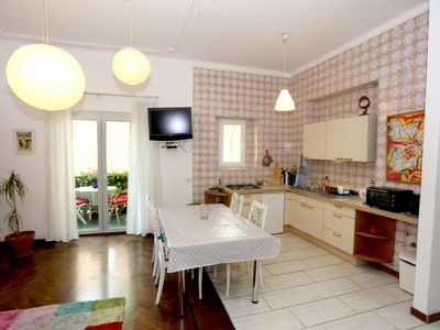 Photo for Relax, cosy apartment with balcony near to the center for families and groups.