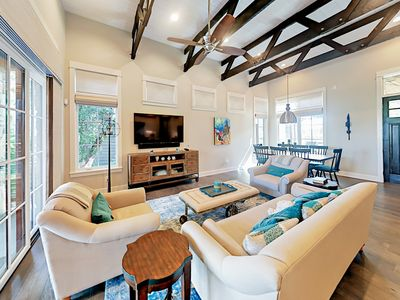 Lake House in Luxury Waterfront Community with Lazy River Pool & Tennis