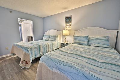 2nd bedroom with two queen size beds!