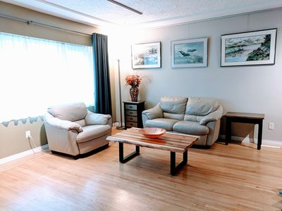 Photo for Stay N paint! Spacious gallery private suite at convenient location