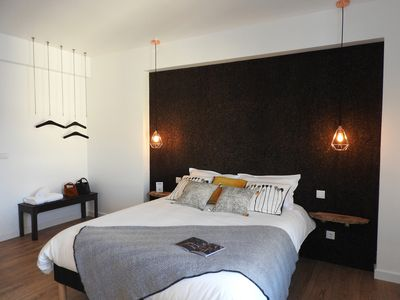 Photo for Cork Bedroom, Lisbon Airport Charming Rooms
