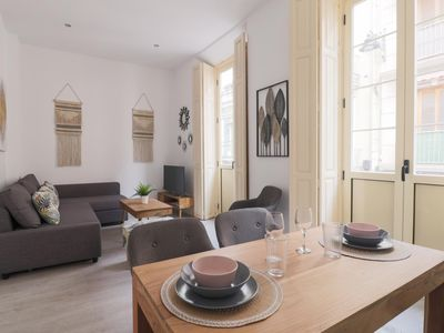 Photo for Trendy Two Bedrooms In Ollerias (C93)