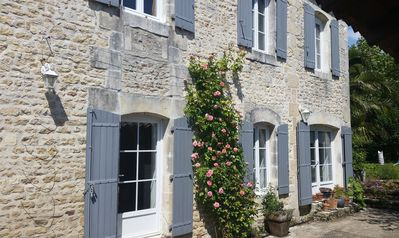 Photo for Charente 300 M² mansion with pool, 4 bedrooms, garden, kitchen was