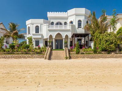 Photo for Gorgeous 4 bedrooms luxury Villa in Palm Jumerah
