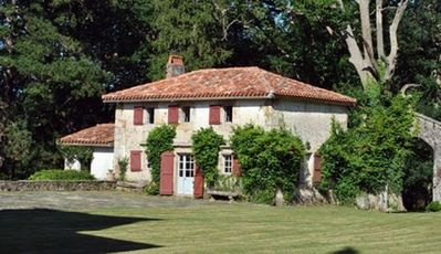 Photo for 3BR Cottage Vacation Rental in Ascain, Nouvelle-Aquitaine