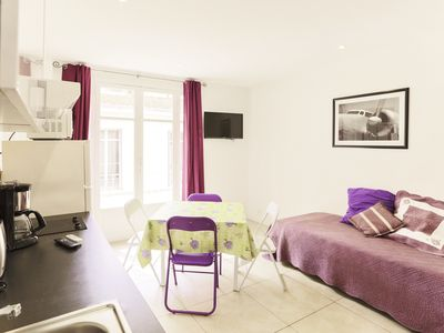 Photo for Center Cannes, apartment 7 minutes walk from the Palais des Festivals, beach, ...