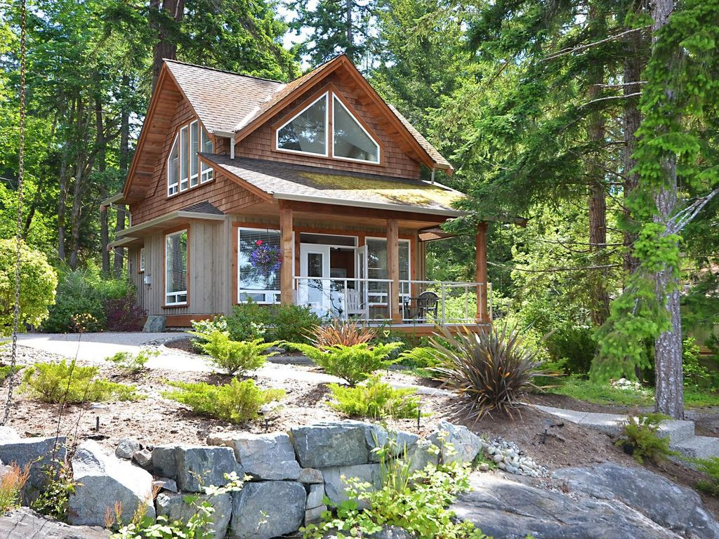 Seadog Cottage: Private cottage on the ocean - 663695