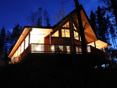Photo for Experience the inviting ambiance and charm of this rustic mountain hideaway