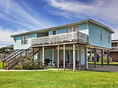 Galveston Beach House: Ocean Views & Pool Access!