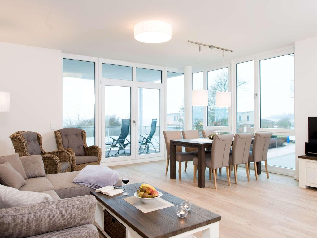Exclusive holiday apartment directly on the beach with sea views over the Baltic f Photo 1