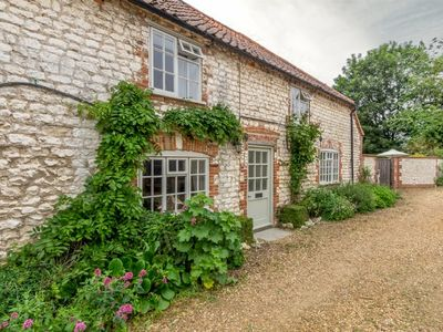 Photo for Spacious, light and bright detached cottage built in 1845