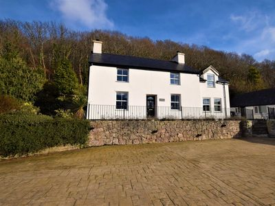 Photo for 5 bedroom House in Conwy - 48169