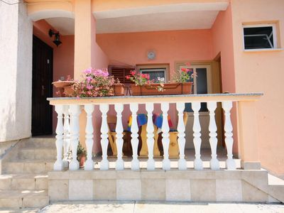 Photo for One bedroom apartment with terrace and sea view Barbat (Rab)