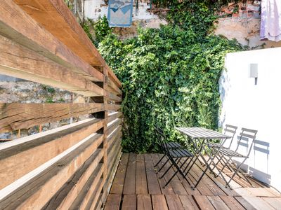 Photo for Cozy apartment with terrace in Bairro Alto