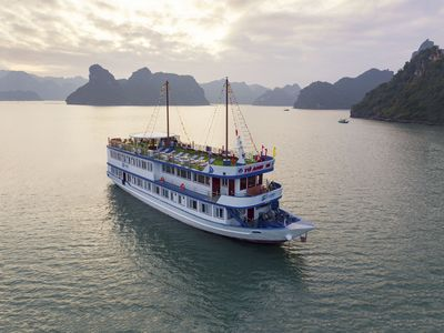 Photo for Halong Lapaci Cruise to Lan Ha Bay