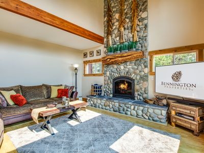 Photo for On 3+ acres, Little Deschutes River Access, Gas Fireplace, Free Wifi - ASPE17