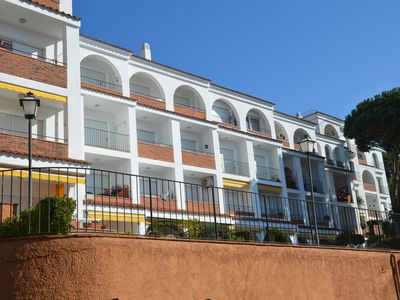 Photo for Cozy apart. Residential of 80mts with air conditioning, swimming pool and garden