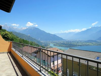 Photo for Apartment Casa Robinia (GLA261) in Gera Lario - 5 persons, 3 bedrooms