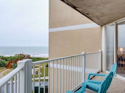 Photo for Oceanfront Condo, Private Deck, Restaurant on-site, beach access