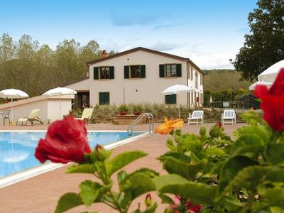 Photo for Country estate La Steccaia, Montescudaio  in Riviera degli Etruschi - 6 persons, 2 bedrooms