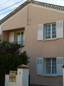 Photo for Bright open plan 60m2 apartment with balcony in the heart of Hyeres.