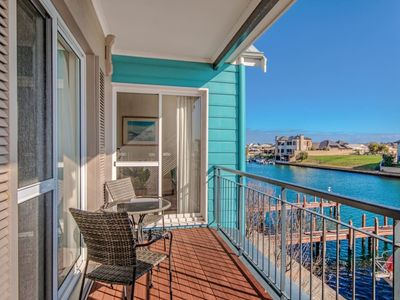 Photo for Waters Edge Apartment with Jetty