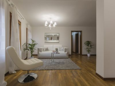 Photo for Benedetto Marcello Centrale 110 square meters 2 double bedrooms, living room and kitchen