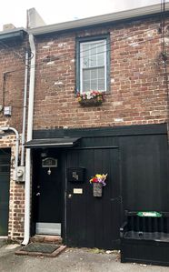 Photo for Heart of Historic Savannah - Renovated Carriage House - LOCATION