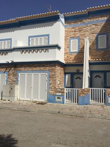 Photo for Modern and pleasant villa with swimming pool and 200 meters from the beach