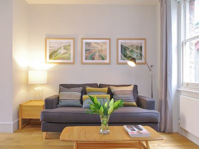 Photo for Super Large Roof Terrace and elegant King Bed in Clerkenwell