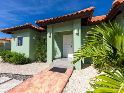 Affordable and spaceous vacation home in Aruba-BBQ-WIFI-PARKING-CLOSE TO BEACH!