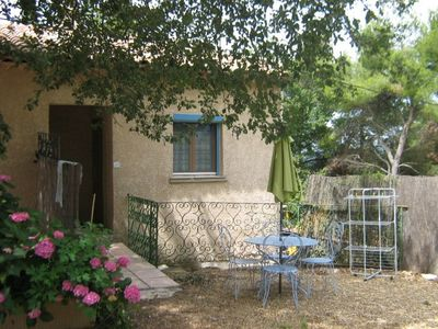 Photo for Apartment 'Lavender' in the heart of the Luberon, in the countryside