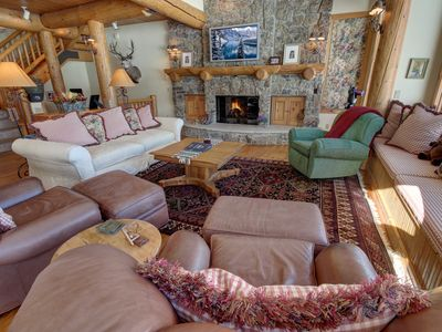 Photo for Elk View Lodge 1111- King beds, 2 car garage,private laundry,grill by Summitcove