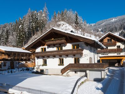 Photo for Family apartment for 5 in centre, ski resort 2 mins by bus