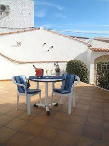 Photo for Clean and well maintained studio 200m from the beach of Empúriabrava