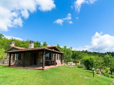 Photo for Holiday home with private swimming pool, barbecue, bread and pizza oven and magnificent view