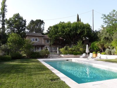 Photo for Provencal farmhouse with pool - 5km from the city center
