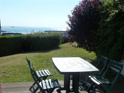 Photo for Magnificent view of the sea, the port and the Verdelet. In rez of garden. Wireless