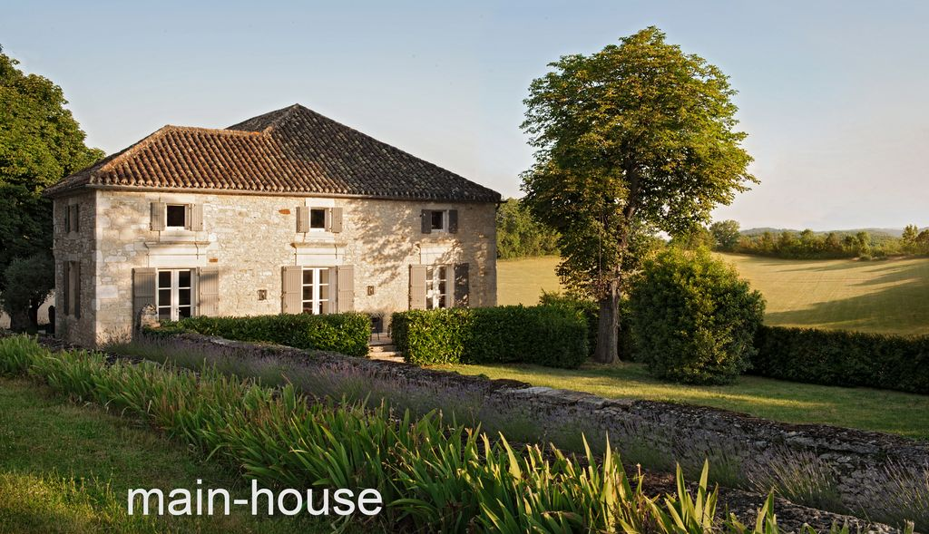 350 year old 39 maison de maitre 39 in rural french for Architecture maison de maitre