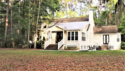 Gorgeous Vacation property - located on a serene wooded lane on Melrose.