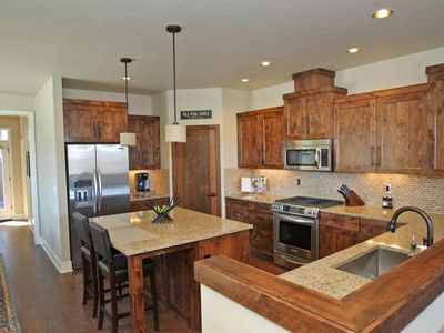 Photo for Deschutes Landing Luxury Townhouse - Steps from the Deschutes River
