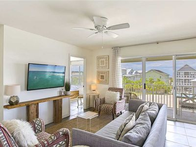 Photo for Beachside Villas 1131 - Gulf View, Heated Community Pool, Steps to the Beach!