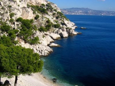 Photo for HOLIDAY VILLA IN PROVENCE, NEAR BEACHES & CREEKS - SHORE BLUE