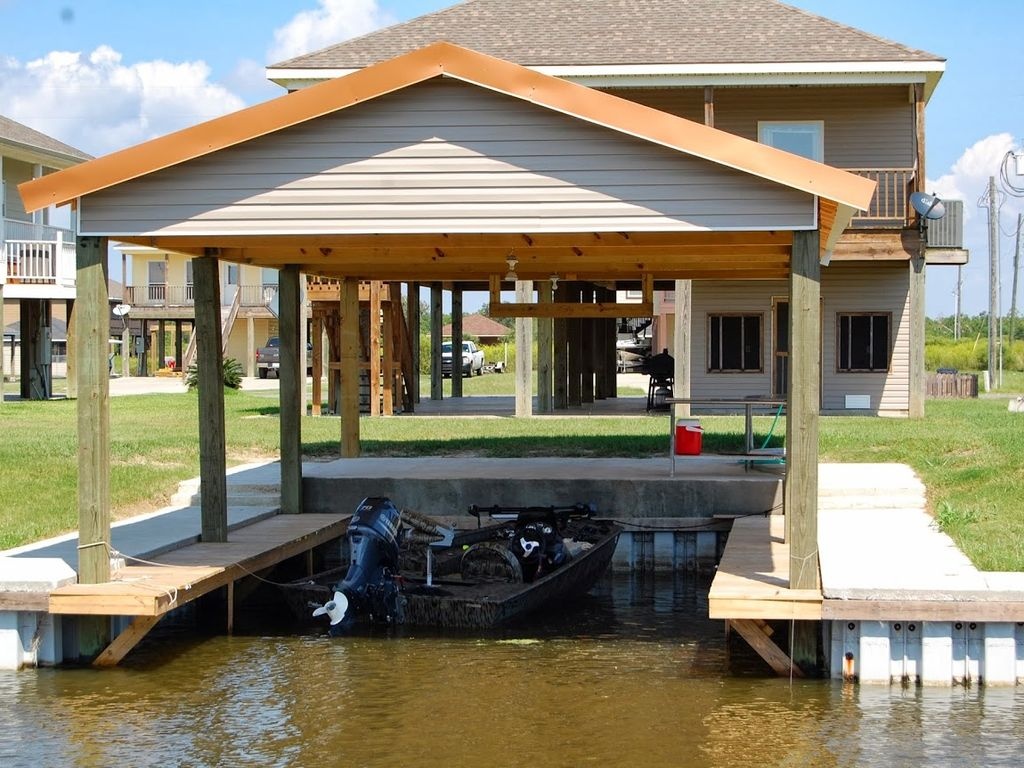 Big lake camp rental hackberry louisiana hackberry for Fishing camps for rent in louisiana