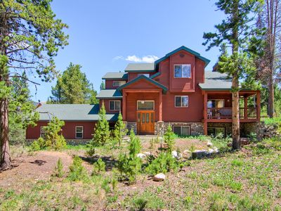 4 bedroom accommodation in Breckenridge