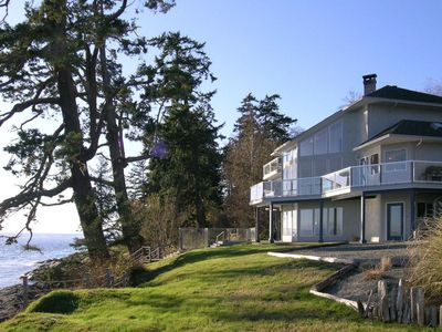 Photo for Luxury oceanfront home with spectacular panoramic views