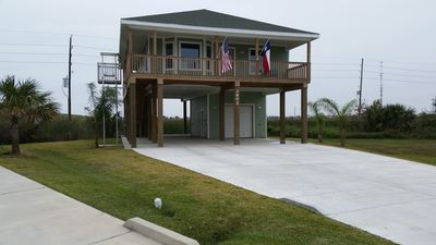 Photo for New Beachside House In Pirates Beach
