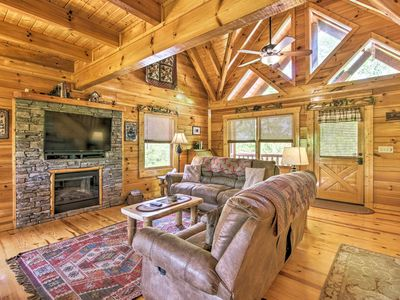 Photo for NEW! Sevierville Cabin w/Hot Tub & Smoky Mtn Views