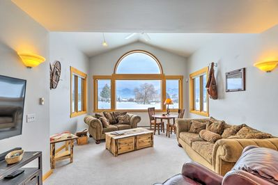 Book your Ronan getaway at this 2-bedroom, 1-bathroom vacation rental townhome.